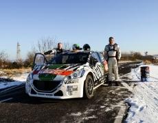 Dirk Riebensahm und Peter Schaaf zünden Peugeot 208 T16 R5