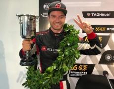Timo Scheider fährt auf den Zweiten Platz beim Tourenwagen Weltcup in Macau